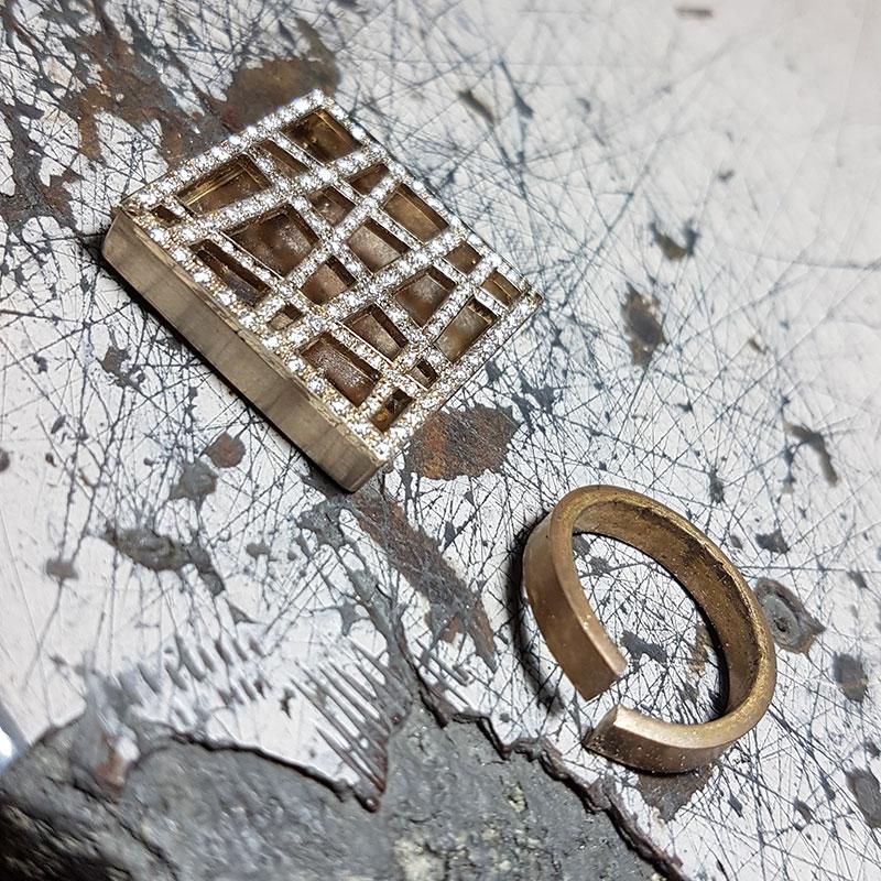 Smeraldi ad Alcatraz fase 3 - Innoro Atelier Orafo