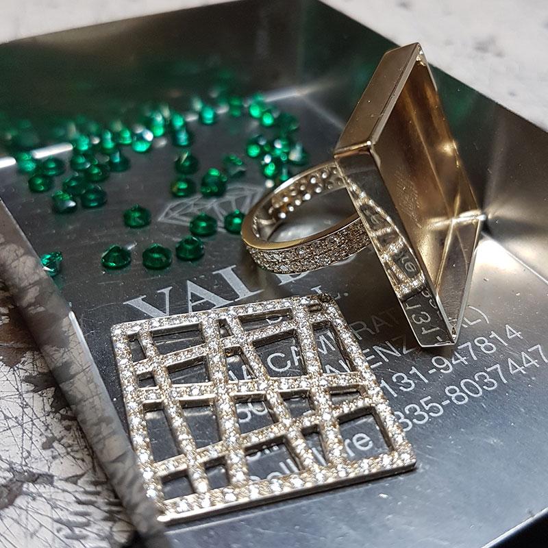 Smeraldi ad Alcatraz fase 4 - Innoro Atelier Orafo